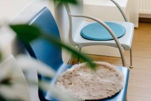 Zahnarztpraxis Dr. Silke Rösch – Wartebereich